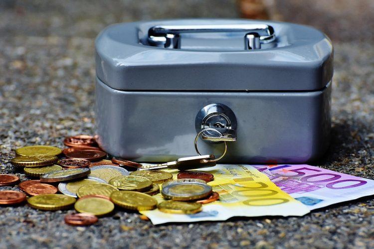 A la hora de pedir un préstamo personal, elige bien.